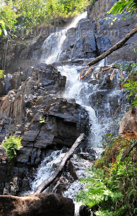 burundi73: Kagera Falls / Chutes de la Karera, Rutana province, Burundi: middle falls - photo by M.Torres - (c) Travel-Images.com - Stock Photography agency - Image Bank