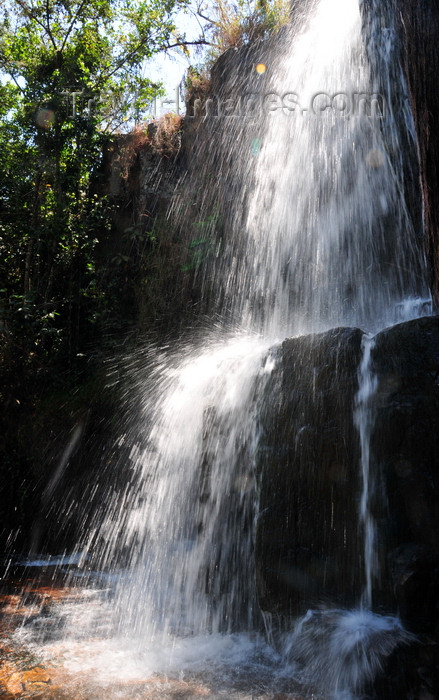 burundi75: Kagera Falls / Chutes de la Karera, Rutana province, Burundi: upper fall - photo by M.Torres - (c) Travel-Images.com - Stock Photography agency - Image Bank
