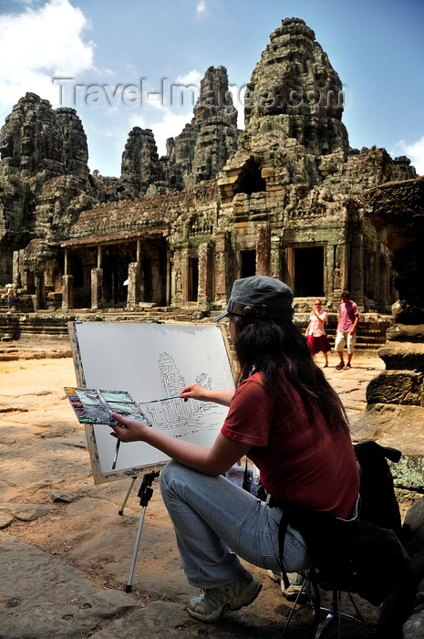 cambodia133: Angkor, Cambodia: Angkor Wat - artist at work - photo by J.Hernández - (c) Travel-Images.com - Stock Photography agency - Image Bank