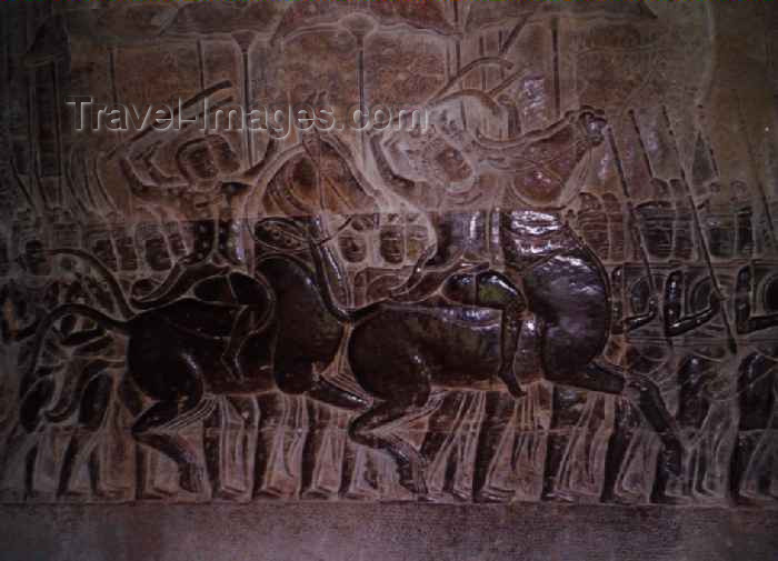 cambodia40: Angkor, Cambodia / Cambodge: Anglor Wat - bas-reliefs - the army of Suryavarman IImarches against the Chams - photo by M.Torres - (c) Travel-Images.com - Stock Photography agency - Image Bank