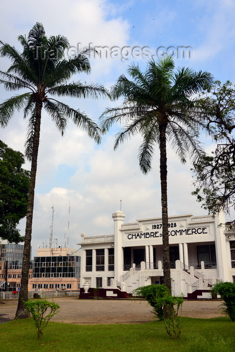 cameroon15: Cameroon, Douala: Chamber of Commerce and coconut trees - built in late Art nouveau style - French colonial architecture - Chambre de Commerce - photo by M.Torres - (c) Travel-Images.com - Stock Photography agency - Image Bank