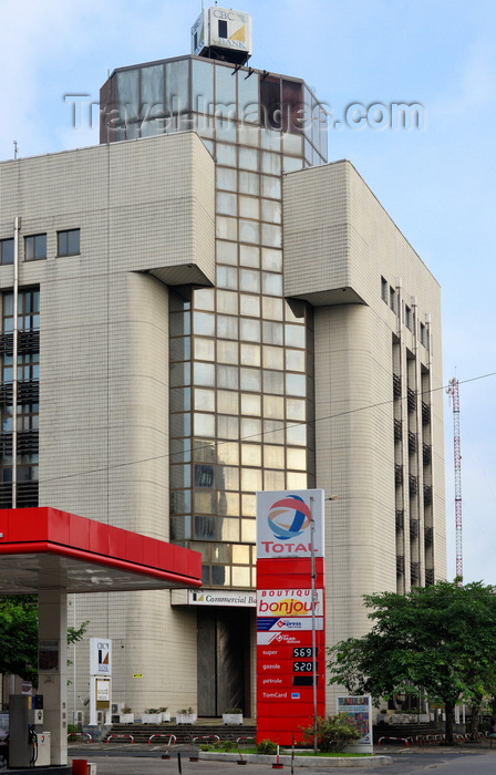 cameroon3: Cameroon, Douala: CBC bank building (Commercial Bank of Cameroon) and Total petrol station - Douala Central Business District - photo by M.Torres - (c) Travel-Images.com - Stock Photography agency - Image Bank