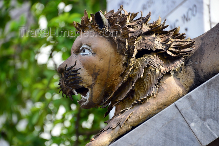 cameroon46: Cameroon, Douala: lions sculpture at Mukanda Palace, Château Mukanda, the Sultan's palace - photo by M.Torres - (c) Travel-Images.com - Stock Photography agency - Image Bank