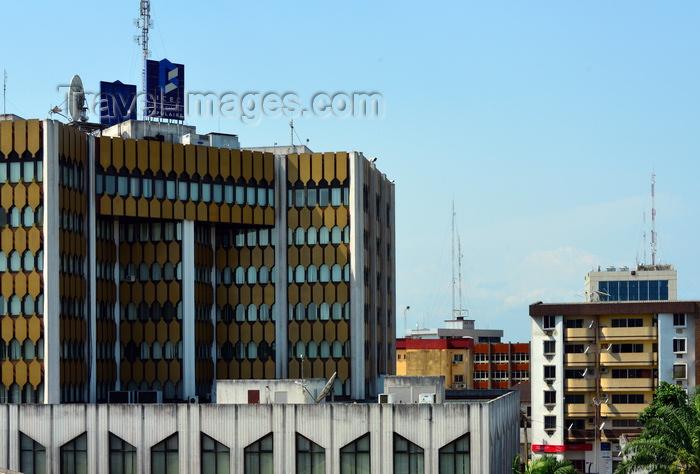 cameroon80: Cameroon, Douala: BICEC bank building, Banque Populaire group,  office tower - facade with golden panels - Banque International du Cameroun pour l'Epargne et le Crédit - photo by M.Torres - (c) Travel-Images.com - Stock Photography agency - Image Bank
