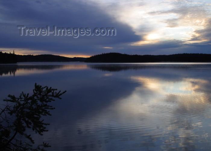 canada110: Canada / Kanada - Saskatchewan: sunrise over a lake - photo by M.Duffy - (c) Travel-Images.com - Stock Photography agency - Image Bank
