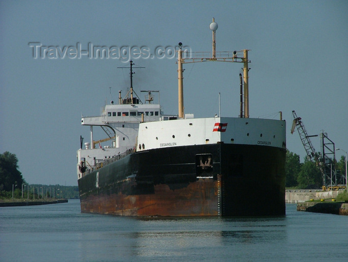 canada117: Canada / Kanada - Lake Erie, Ontario: Welland canal system, connection between lake Ontario and lake Erie, to bypass Niagara Falls - 8th lock in Port Colborne - the Cedarglen from Montreal - Freighter ship - photo by R.Grove - (c) Travel-Images.com - Stock Photography agency - Image Bank