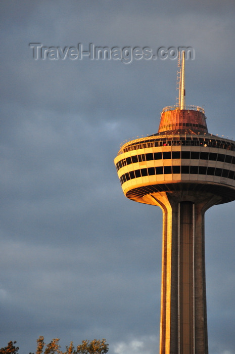 canada125: Niagara Falls, Ontario, Canada: Skylon Tower - construction used the slipform method - observation tower - photo by M.Torres - (c) Travel-Images.com - Stock Photography agency - Image Bank