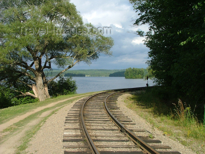 canada129: Canada / Kanada - Lake Muskoka, Ontario: end of the railway - photo by R.Grove - (c) Travel-Images.com - Stock Photography agency - Image Bank