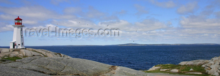 canada13: Peggys Cove, Nova Scotia, Canada: lighthouse - eastern entrance of St. Margarets Bay - photo by J.Cave - (c) Travel-Images.com - Stock Photography agency - Image Bank