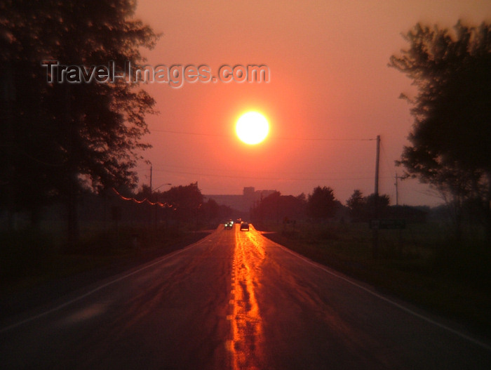 canada130: Port Colborne, Ontario, Canada / Kanada: sun on the asphalt - road at sunset - reflection - photo by R.Grove - (c) Travel-Images.com - Stock Photography agency - Image Bank