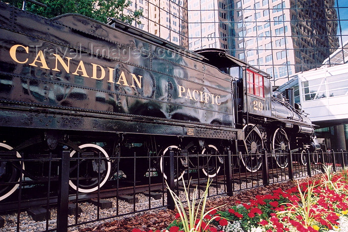canada175: Canada / Kanada - Calgary (Alberta): steam locomotive at  Canadian Pacific Railway HQ (photo by M.Torres) - (c) Travel-Images.com - Stock Photography agency - Image Bank