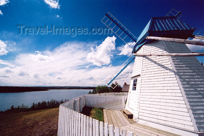 canada181: Canada / Kanada - Calgary, Alberta: Heritage park - windmill - photo by M.Torres - (c) Travel-Images.com - Stock Photography agency - Image Bank