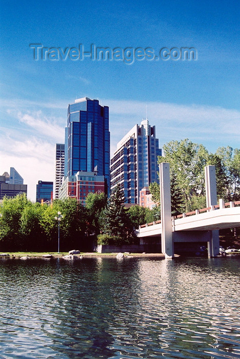 canada186: Canada / Kanada - Calgary (Alberta): Sheraton suites, Canterra tower and EY tower seen from Prince island (photo by M.Torres) - (c) Travel-Images.com - Stock Photography agency - Image Bank