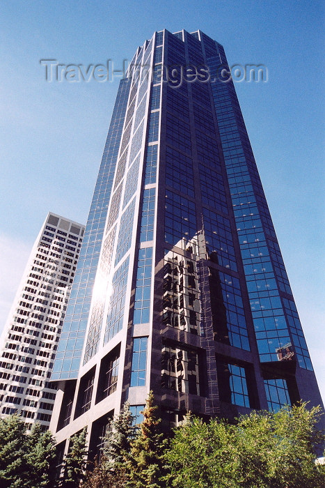 canada188: Canada / Kanada - Calgary (Alberta): Canterra tower with reflection of Ernst and Young tower - 2nd Ave SW- 5th St SW (photo by M.Torres) - (c) Travel-Images.com - Stock Photography agency - Image Bank