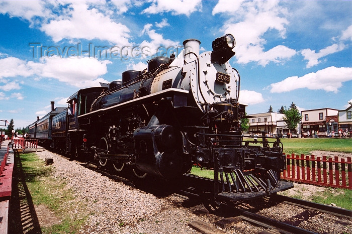 canada190: Canada / Kanada - Calgary, Alberta: Heritage Park - the train arrives - steam loco - photo by M.Torres - (c) Travel-Images.com - Stock Photography agency - Image Bank
