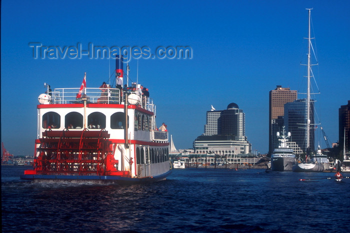 canada2: Vancouver, BC, Canada: paddlewheel boat in Burrad Indlet - city skyline and cruise ship at Canada Place pier - photo by D.Smith - (c) Travel-Images.com - Stock Photography agency - Image Bank