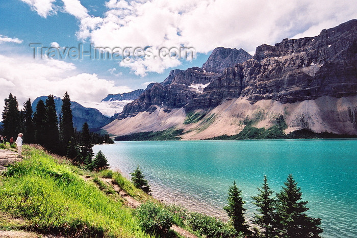 canada207: Canada / Kanada - Peyto Lake (Alberta): looking SE - Banff NP - photo by M.Torres - (c) Travel-Images.com - Stock Photography agency - Image Bank