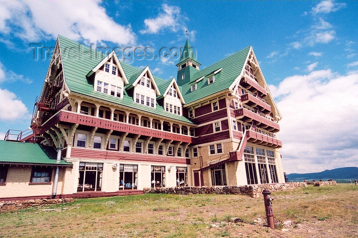 canada209: Canada / Kanada - Waterton Lakes NP, Alberta: Waterton Prince of Wales hotel - photo by M.Torres - (c) Travel-Images.com - Stock Photography agency - Image Bank