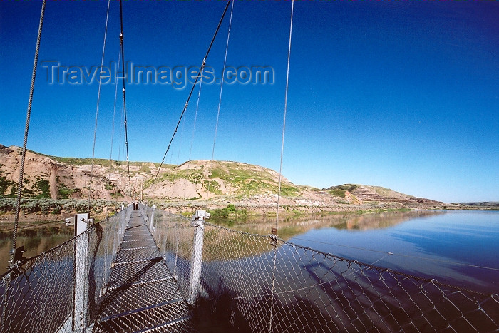canada221: Canada / Kanada - Drumheller, Alberta: Red Deer river from the suspension bridge - photo by M.Torres - (c) Travel-Images.com - Stock Photography agency - Image Bank