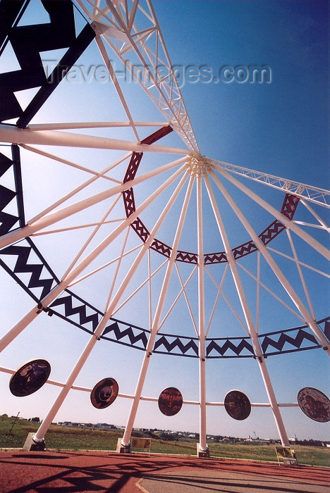 canada229: Canada / Kanada - Medicine Hat, Alberta: inside the world's largest teepee - photo by M.Torres - (c) Travel-Images.com - Stock Photography agency - Image Bank