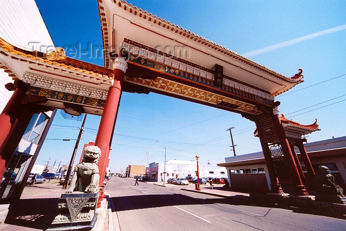 canada236: Canada / Kanada - Edmonton, Alberta: Chinatown - Chinese arch - paifang - photo by M.Torres - (c) Travel-Images.com - Stock Photography agency - Image Bank
