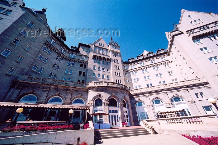 canada239: Canada / Kanada - Edmonton, Alberta: Fairmont Hotel Macdonald - an old Canadian Pacific / CP hotel - photo by M.Torres - (c) Travel-Images.com - Stock Photography agency - Image Bank