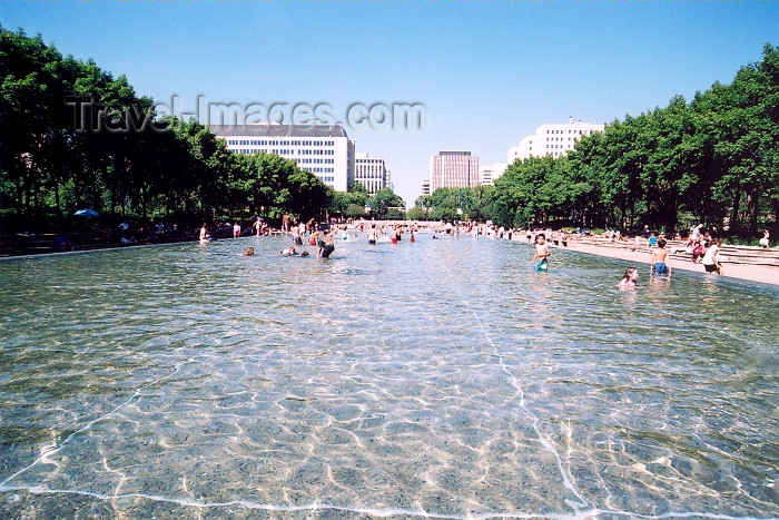 canada242: Canada / Kanada - Edmonton, Alberta: hot afternoon in August - photo by M.Torres - (c) Travel-Images.com - Stock Photography agency - Image Bank