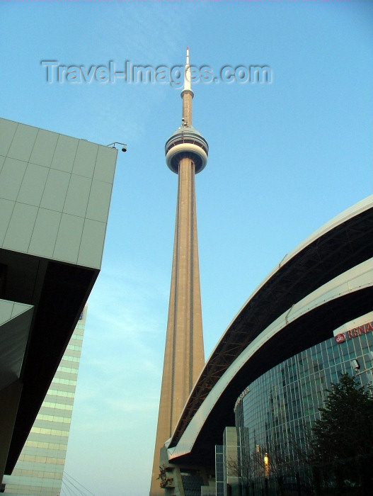 canada265: Toronto, Ontario, Canada / Kanada: CN tower and Renaissance Toronto Hotel Downtown, part of the Rogers Centre/ Skydome complex - highest man made lookout point on the world - photo by R.Grove - (c) Travel-Images.com - Stock Photography agency - Image Bank
