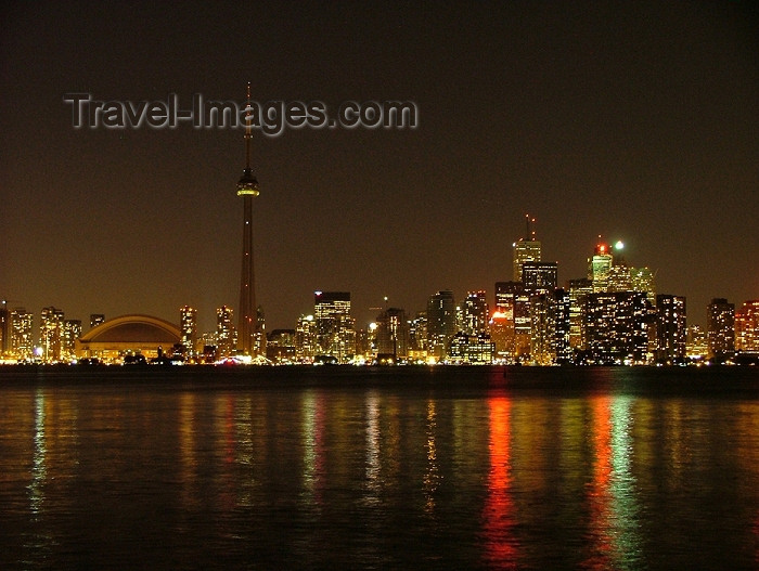 canada269: Toronto, Ontario, Canada / Kanada: skyline - night and Lake Ontario - photo by R.Grove - (c) Travel-Images.com - Stock Photography agency - Image Bank