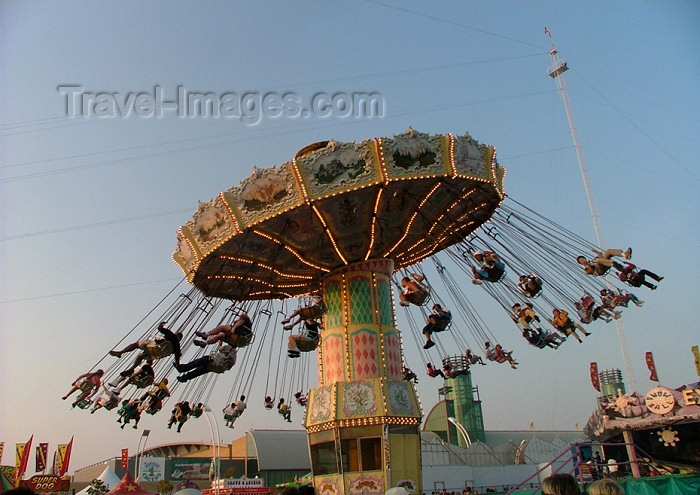 canada279: Toronto, Ontario, Canada / Kanada: flying chairs - Canadian Exhibition - CNE - photo by R.Grove - (c) Travel-Images.com - Stock Photography agency - Image Bank