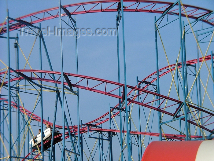 canada280: Toronto, Ontario, Canada / Kanada: roller coaster detail - Canadian Exhibition - photo by R.Grove - (c) Travel-Images.com - Stock Photography agency - Image Bank