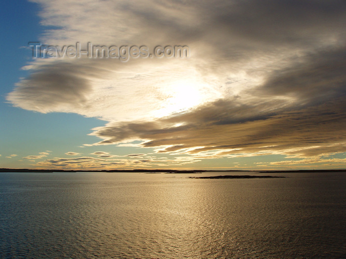 canada304: Gulf of St. Lawrence (Quebec): lower north coast / Golfe du Saint-Laurent - Basse Côte Nord - photo by B.Cloutier - (c) Travel-Images.com - Stock Photography agency - Image Bank