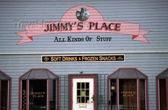 canada32: Canada / Kanada - Dawson city, Yukon: all kind of stuff - Jimmy's Place - photo by F.Rigaud - (c) Travel-Images.com - Stock Photography agency - Image Bank