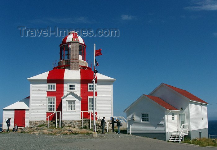 canada333: Canada / Kanada - Bonavista, Newfoundland: red and white lighthouse - photo by B.Cloutier - (c) Travel-Images.com - Stock Photography agency - Image Bank