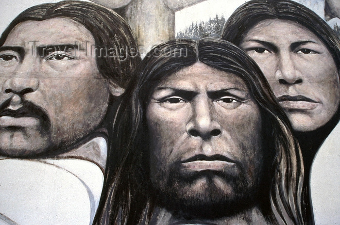 canada378: Canada / Kanada - Chemainus (BC): Indian faces - photo by F.Rigaud - (c) Travel-Images.com - Stock Photography agency - Image Bank