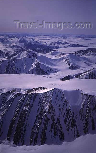 canada391: Canada - Ellesmere Island (Nunavut): mountains - northern ice-cap - photo by E.Philips - (c) Travel-Images.com - Stock Photography agency - Image Bank