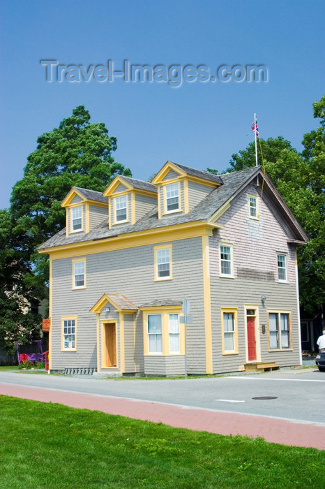 canada418: Views of the historic village of Shellburne, Nova Scotia, Canada - photo by D.Smith - (c) Travel-Images.com - Stock Photography agency - Image Bank