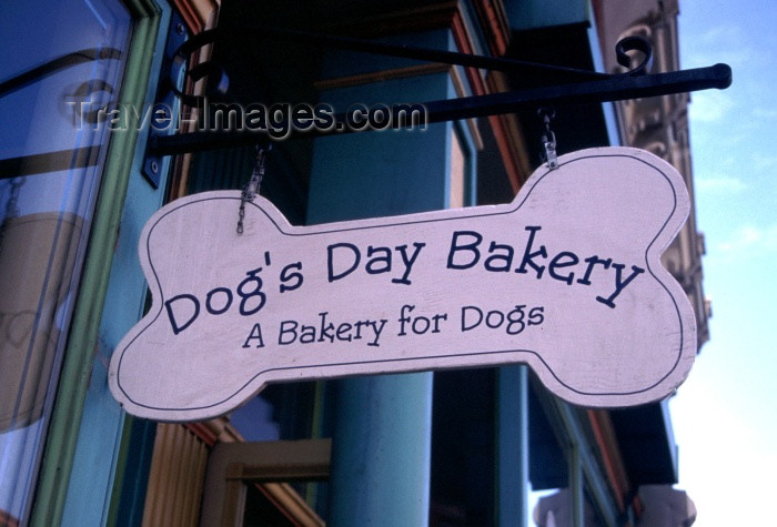canada45: Canada / Kanada - Victoria (BC): a bakery for dogs - photo by F.Rigaud - (c) Travel-Images.com - Stock Photography agency - Image Bank