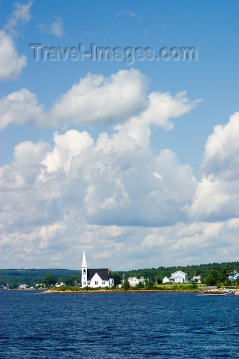 canada451: Scenic views near the historic fishing village of Lunenburg, Nova Scotia, Canada - photo by D.Smith - (c) Travel-Images.com - Stock Photography agency - Image Bank