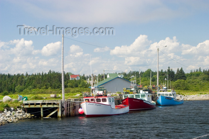 canada452: Scenic views near the historic fishing village of Lunenburg, Nova Scotia, Canada - photo by D.Smith - (c) Travel-Images.com - Stock Photography agency - Image Bank