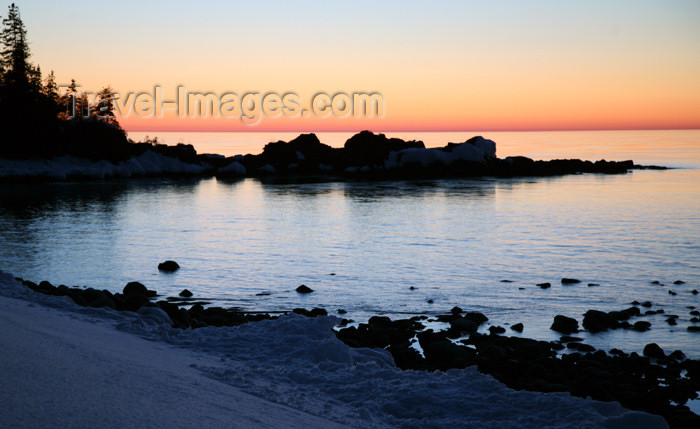 canada474: Canada - Ontario - Lake Superior: small cove - photo by R.Grove - (c) Travel-Images.com - Stock Photography agency - Image Bank