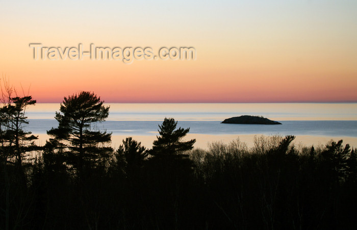 canada477: Canada - Ontario - Lake Superior: islet - photo by R.Grove - (c) Travel-Images.com - Stock Photography agency - Image Bank