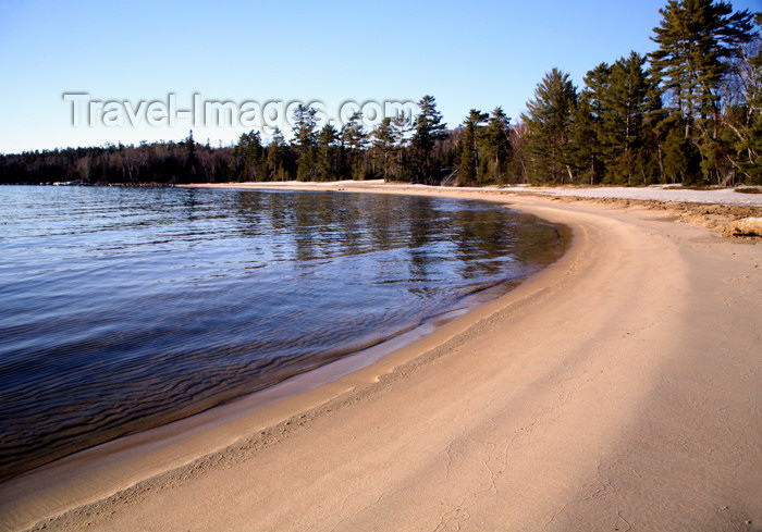 canada480: Canada - Ontario - Lake Superior: shoreline - sandy beach - photo by R.Grove - (c) Travel-Images.com - Stock Photography agency - Image Bank