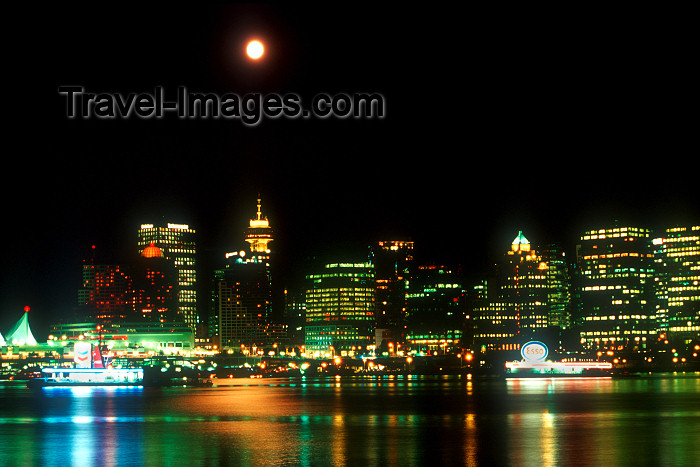 canada515: Canada / Kanada - Vancouver: night skyline with full moon - photo by D.Smith - (c) Travel-Images.com - Stock Photography agency - Image Bank