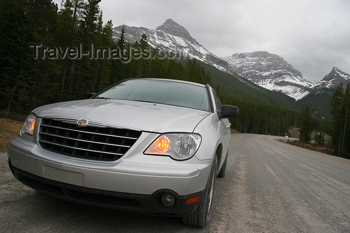 canada544: Kananaskis , Alberta, Canada: Country Car - photo by J.Cave - (c) Travel-Images.com - Stock Photography agency - Image Bank