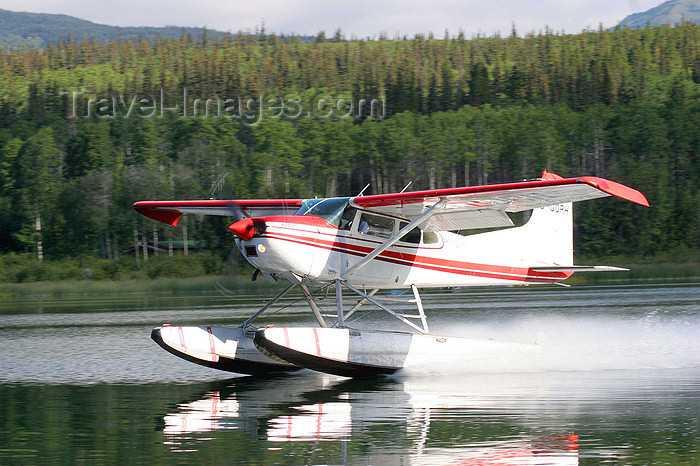 canada557: Skitine river, BC, Canada: seaplane - C-GORH - photo by R.Eime - (c) Travel-Images.com - Stock Photography agency - Image Bank