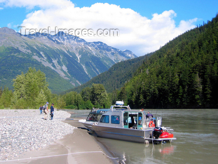canada559: Skitine river, BC, Canada: tour boats - photo by R.Eime - (c) Travel-Images.com - Stock Photography agency - Image Bank