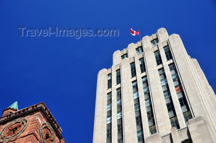 canada591: Montreal, Quebec, Canada: clock of the New York Life Insurance building and the Aldred Building - named after J.E. Aldred, owner of the Shawinigan Water and Power Company - Place d'Armes - Vieux-Montréal - photo by M.Torres - (c) Travel-Images.com - Stock Photography agency - Image Bank