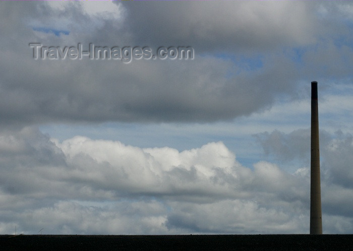 canada60: Canada / Kanada - Saskatchewan: Smoke Stack and clouds - photo by M.Duffy - (c) Travel-Images.com - Stock Photography agency - Image Bank