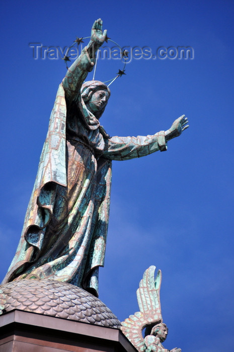 canada606: Montreal, Quebec, Canada: Notre-Dame-de-Bon-Secours chapel - Our Lady of Perpetual Help spreads her arms wide to the St. Lawrence and blesses mariners - sculpture by P. Laperle - Vieux-Montréal - photo by M.Torres - (c) Travel-Images.com - Stock Photography agency - Image Bank